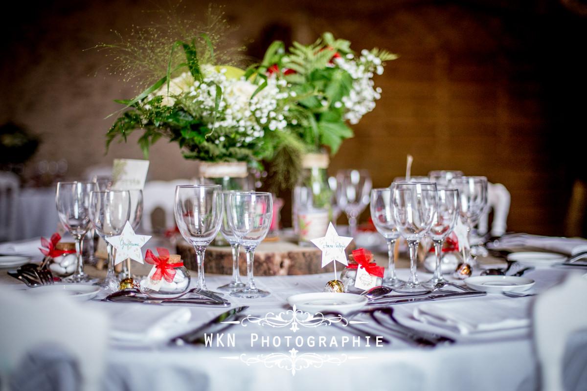 Photographe de mariage à Paris - le vin d'honneur et les photos de couple sous la pluie à la Vallée aux Pages