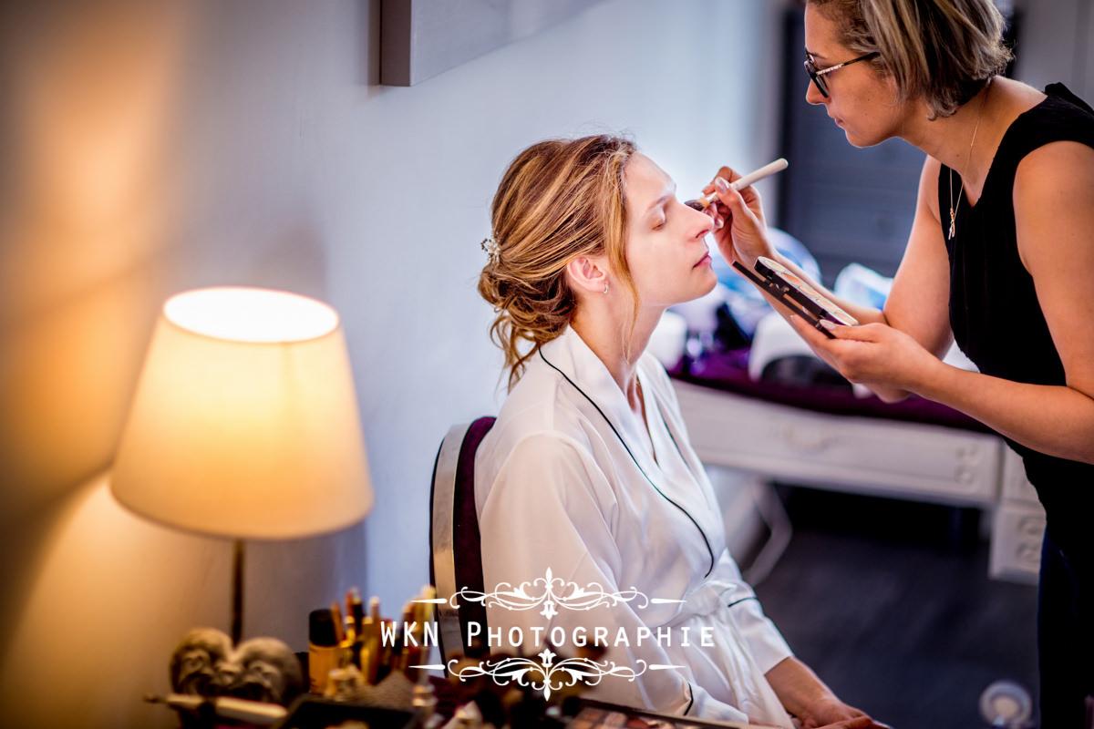 Photographe de mariage dans le Vexin - préparatifs et mise en beauté de la mariée