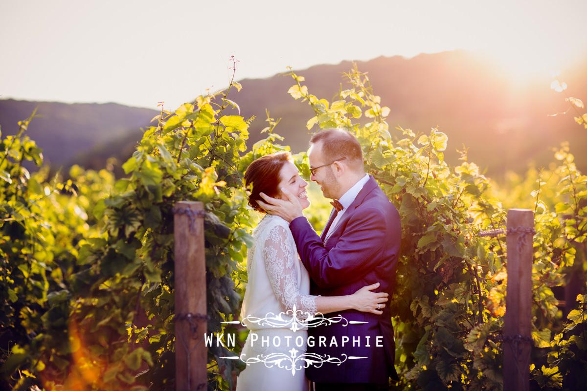 Photographe de mariage bourgogne - photos de couple au Clos de Vougeot