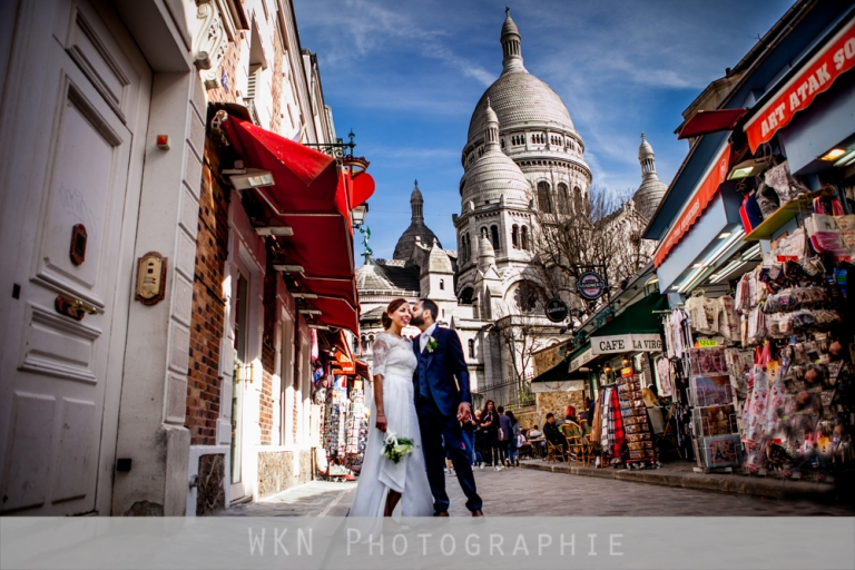 Seance photo de couple a Montmartre a Paris