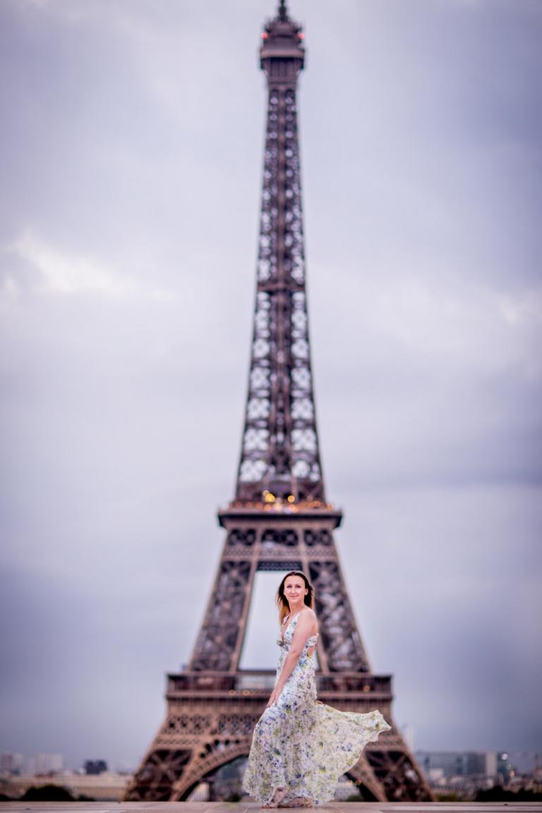 Seance photo feminine Tour Eiffel Paris